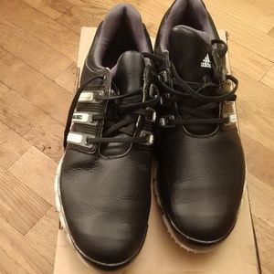 Size 9 Mens black Golf shoes